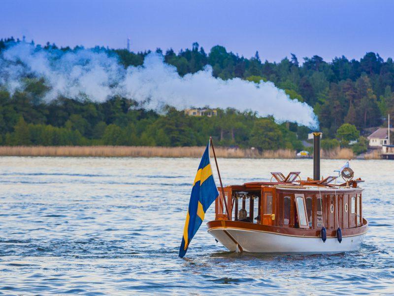 Hjerter Kung på Skärgårdsbåtens dag 2 juni 2010, strax efter dopet den 29 maj.